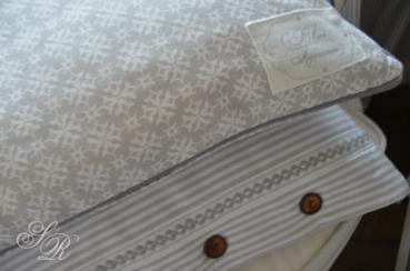 shabby rose onlineshop kissen landhausstil kissenbezug. Black Bedroom Furniture Sets. Home Design Ideas